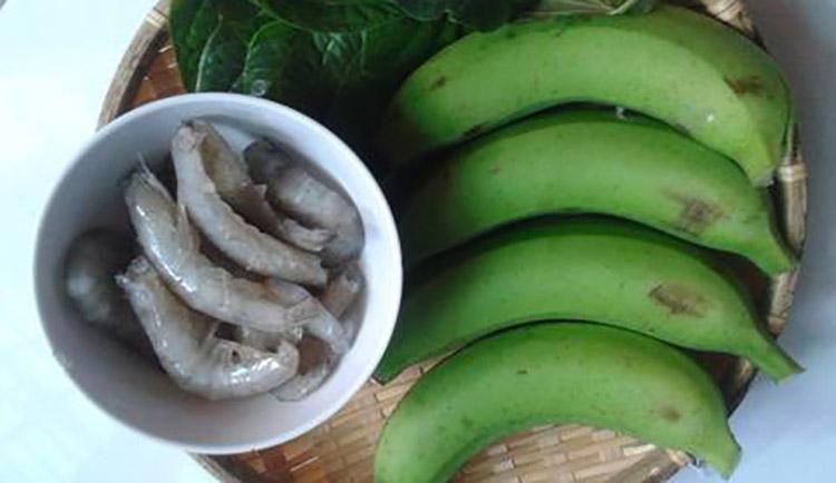 Chế biến chuối xanh cùng với tôm cũng mang đến hiệu quả cải thiện tốt
